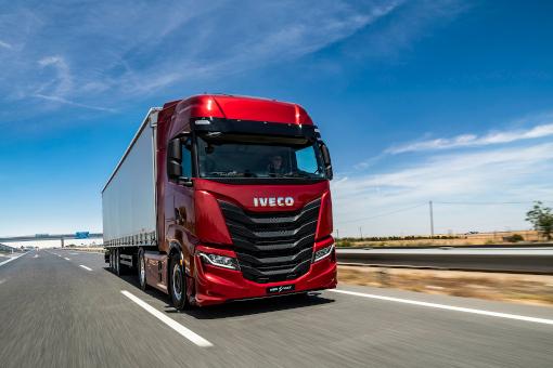 IVECO Fahrzeuge kaufen und mieten bei der Schäflein Truck Service Röthlein